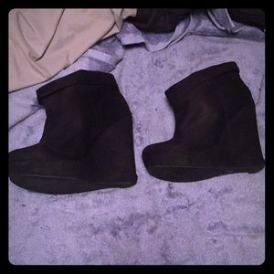 """Forever 21 - 5"""" Black Suede Closed Toe Wedges"""